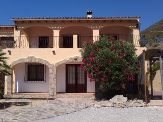 3 Bedroom apartment with stunning mountain views, Alcalali
