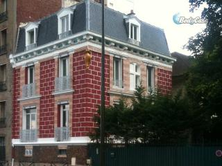 Apartment/Flat in Boulogne-Billancourt, at Cyril's place