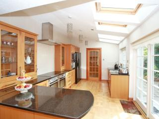 Forest Avenue - Luxury Serviced House, Aberdeen