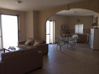 Long let corner Apartment, fully furnished., Qala