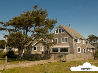 1021 S Prom- Reunion House- Professionally Managed, Seaside
