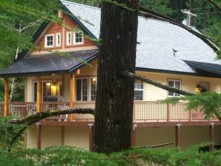 The Forest Ridge Chalet at Mt Rainier & White Pass, Packwood