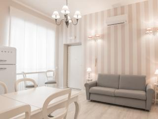 Lovely NEW apartment in VATICAN - S, Rome