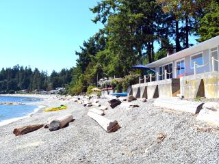 Beachfront house in Sechelt