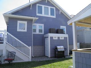 Three houses to the beach in the heart of B Haven, Beach Haven