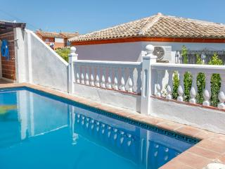 5 Bed Villa Beach Front ,Pool, Free Wifi, Mijas
