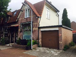 Spacious house w a Jacuzzi in central Hilversum
