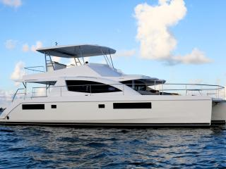 Elegant 4 Cabin Catamaran Docked in Brickell, Miami