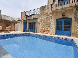 Tan-Nahla Cottage with Private Pool, Xaghra