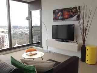 Spacious Modern 2BR-2BTH Apartment Ensuite, Melbourne
