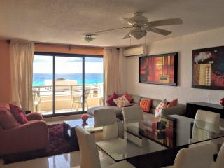 Beach front 3 bed condo in Plaza Kukulkan area, Cancún