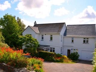 Edens Horizon Large House Sleeps 12 + 2 cots, St Austell
