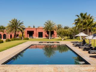 Magnificent property with a tennis court and an amazing view, Marrakech