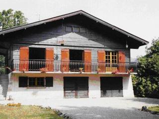 Magnificent chalet in Alex, French Alps, with balcony and garden, Bluffy