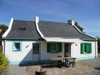 Unique house on Groix island, Brittany, with 3 bedrooms, garden and BBQ terrace – 200m from beach