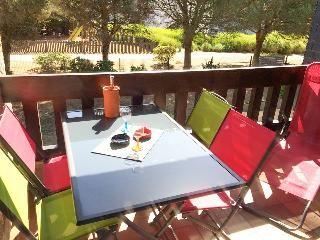 Spacious apartment by the beach in Carnac with heating and furnished balcony – near Quiberon