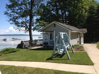Beachside Cottages on West Bay Lake Michigan, Traverse City