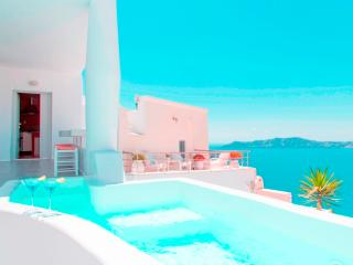 Trieris Executive Villa With Private Jacuzzi, Fira