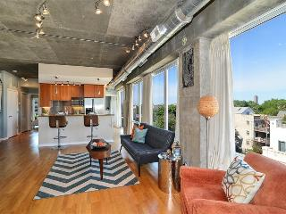 Industrial 2Br Loft by Flatbook, Chicago