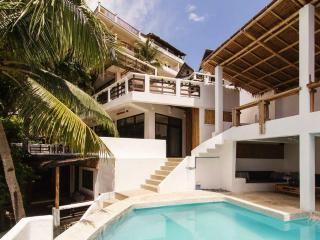 Spacious Loft with sea view and a swimming pool, Boracay