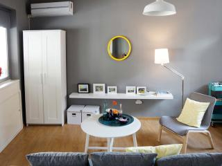 New designer Loft in Syntagma wth terrace and view, Athens