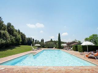 Country house flat with pool, tennis, Montaione