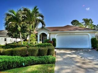 Naples - 3BD/2BA Pool Home - Sleeps 6 - P323, Nápoles