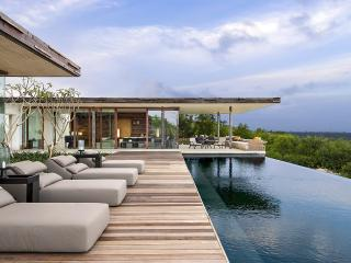 Uluwatu Hillside Villa, Sleeps 6, Penebel
