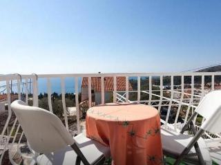 Studio apartment with terrace and sea view, Mlini