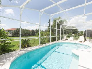 POOL HOME  MINUTES TO DISNEY AND  ATTRACTIONS, Kissimmee