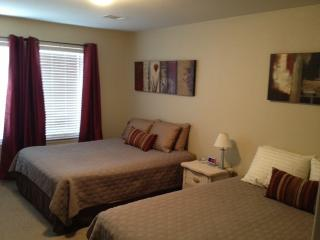 2BR/2.5BA, Sleeps 7, FIESTA TX/SEA WORLD, San Antonio