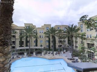 Irvine Luxury Condo sleeps 6
