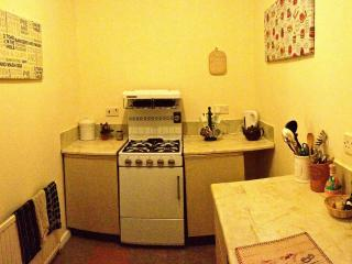 Cosy flat with off street parking, Manchester