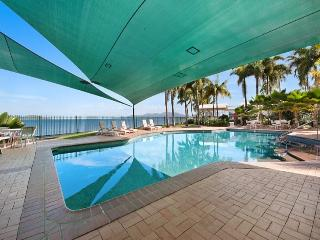 Mariners North - Two Bedroom Apartment overlooking The Strand, Townsville