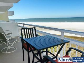 Sun-filled beachfront condo w/ heated pool & unforgettable ocean views, Marco Island
