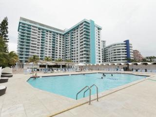 WATER VIEW 2BR+2BR OCEANFRONT MIAMI BEACH, Miami Beach