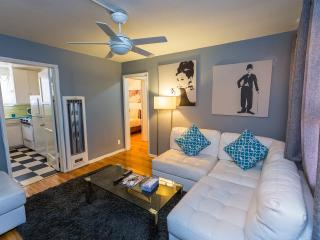 1 BDRM near The Grove and Melrose D, Los Angeles