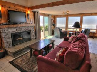 5 star Reviews-Hot Tub-Oceanfront! 3rd night free!, Yachats