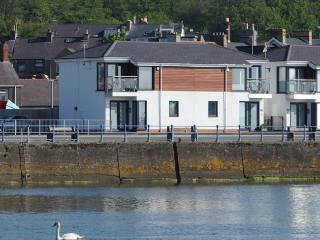 Waterfront Townhouse by Pwllheli Marina