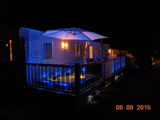 Luxury 8 berth holiday home! With Hydrotherapy spa, Tattershall