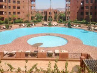 Gorgeous 2-bedroom apartment just outside Marrakech w/ deluxe terrace & pools – near Jemaa El Fna