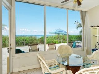 Beachfront Ground level Suite - Just Remodeled -, Siesta Key