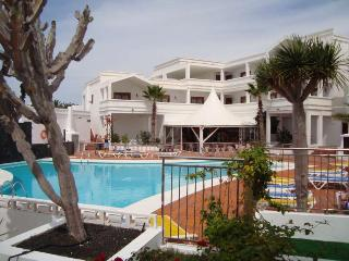 APARTMENT HOZIAN IN COSTA TEGUISE FOR 2P, Costa Teguise