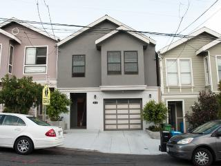 Ultra Spacious 4 Bedroom House With Great Deck, San Francisco