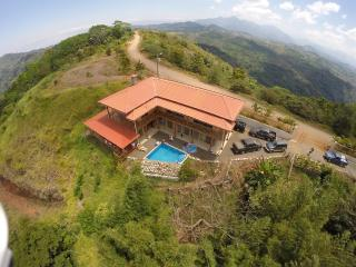 Spacious Private Mountain top Home  w waterfalls, Jaco