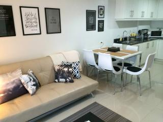 Spacious 2BR Suite at SEA Residences, Mall of Asia, Pasay