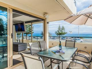 Cottesloe Beach House Stays - Ocean 116 Luxury Apt
