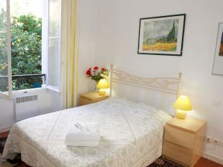 Bright Apartment in the Old Town, Cannes