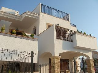 Luxury bungalow 200m from the beach., Torrevieja