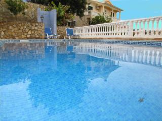 Villa Isabel with Swimming Pool, Sea and Countrysi, Loule